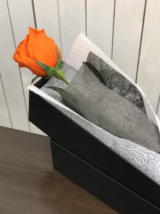 池袋 プリザーブドフラワー専門店 フラワーショップリズカ ダイヤモンドローズプリザーブドフラワー オレンジバラ