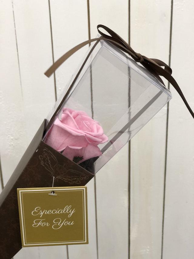 池袋、プリザーブドフラワー専門店 フラワーショップリズカスタンダードローズプリザーブドフラワー1輪茎付ピンク