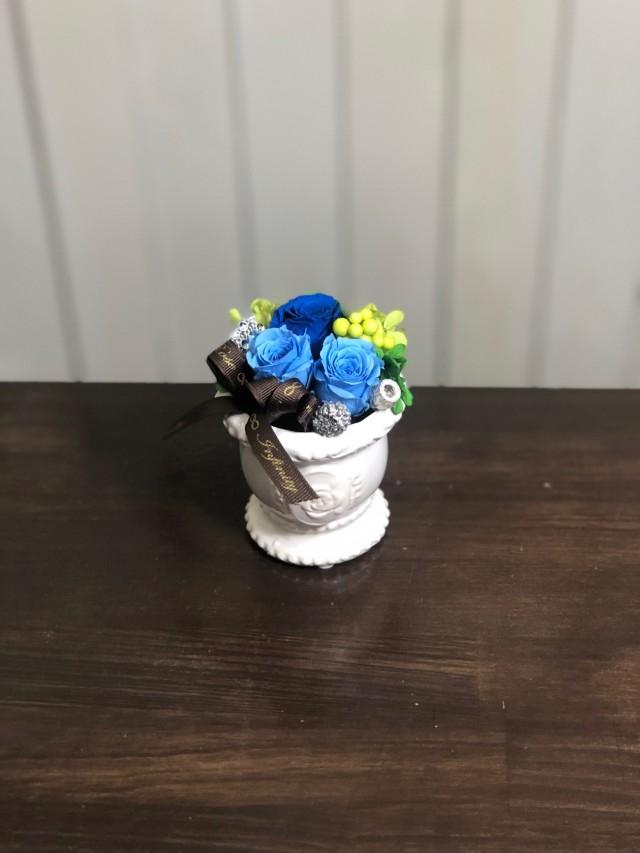 池袋プリザーブドフラワー専門店フラワーショップリズカ可愛いバラ柄の器プリザーブドフラワーブルー青バラ