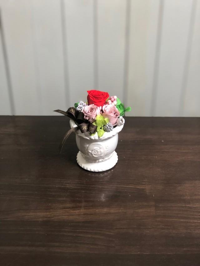 池袋プリザーブドフラワー専門店フラワーショップリズカ可愛いバラ柄の器プリザーブドフラワーレッド