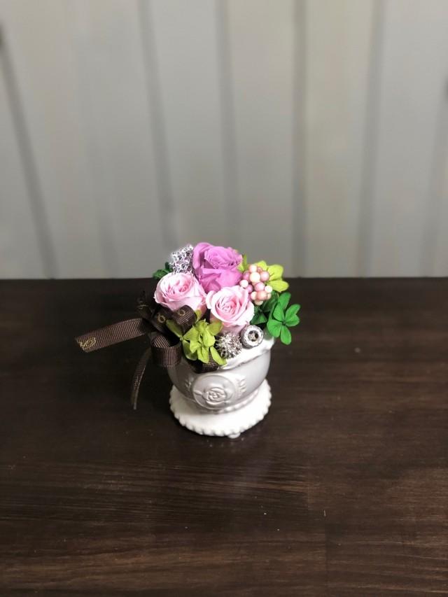 池袋プリザーブドフラワー専門店フラワーショップリズカ可愛いバラ柄の器プリザーブドフラワーピンク