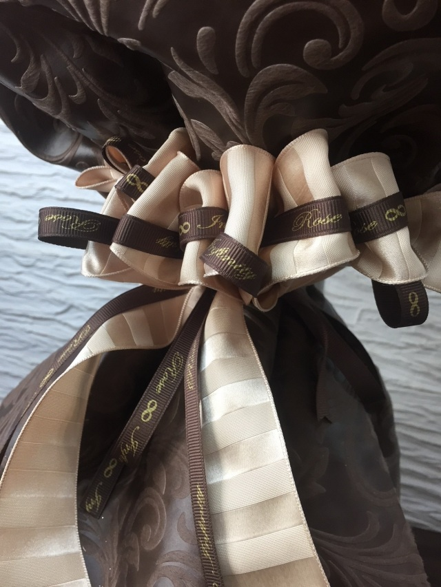 池袋 プリザーブドフラワー専門店 フラワーショップリズカ ダイヤモンドローズレッド 花束ブーケ