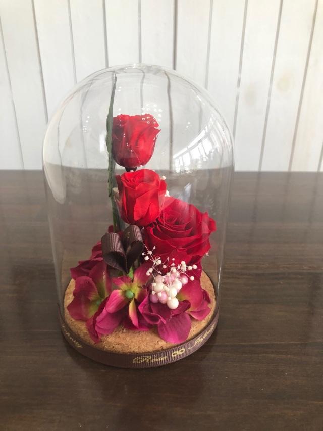 池袋 プリザーブドフラワー専門店 フラワーショップリズカ コルク ガラスドーム 人気 バラ 赤 ギフト 店舗