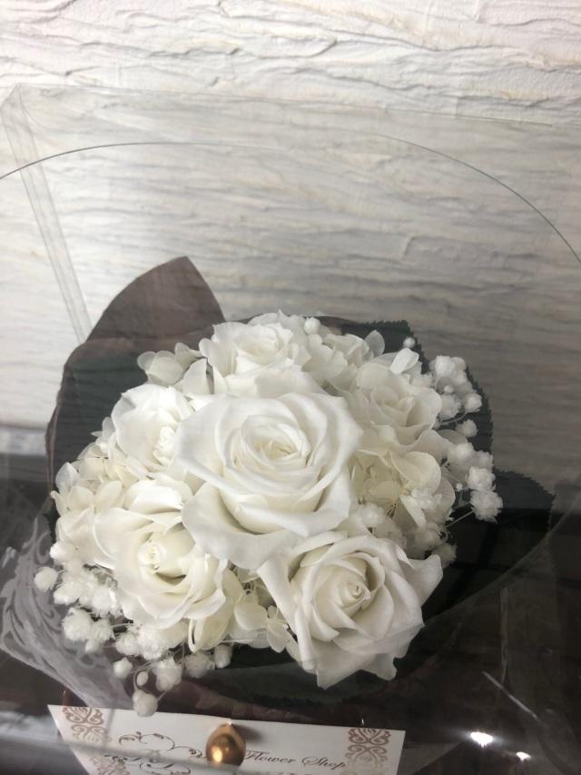 池袋 プリザーブドフラワー専門店 フラワーショップリズカ 6輪花束ブーケ レッド・ホワイト
