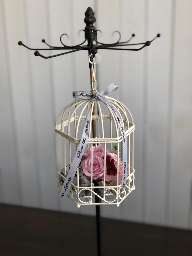 池袋プリザーブドフラワー専門店フラワーショップリズカゆらゆら鳥カゴのプリザーブドフラワー(バラタイプ) ピンク