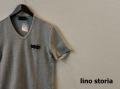 【プレミアムサマーセール!】 lino storia(リノ ストーリア) スリムフィット針抜きエンブレムロゴVネック半袖Tシャツ (トップグレー)  M/L/XL