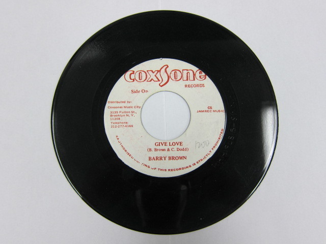 BARRY BROWN / GIVE LOVE / STUDIO ONE