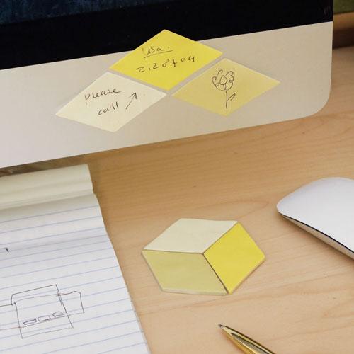 幾何学モチーフのメモパッド。