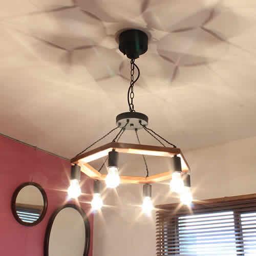 VINTAGE形電球を見せる為にイメージした、多灯式の照明シリーズ。