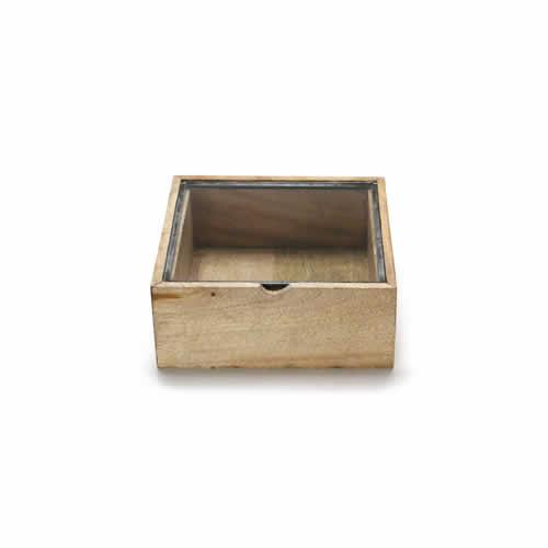 ウッドとガラスのコレクションボックス。