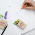市場に並んでいるような野菜やバゲットが紙袋風のパッケージに入った消しゴム3個セット。