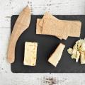 ウッド製チーズナイフ。