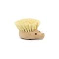 ブナ材にタンピコ繊維使用したヘッジホッグモチーフのディッシュブラシ。