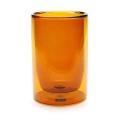 ダブルウォールのガラス製タンブラー。