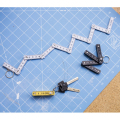 キーホルダーとして持ち運び可能なコンパクトな折りたたみ定規