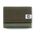 必要最小限を機能的に収納する小型財布です。