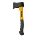 薪割り作業、裂き作業に適した斧。