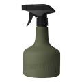 タフな高密度ポリエチレン製のスプレーボトル。