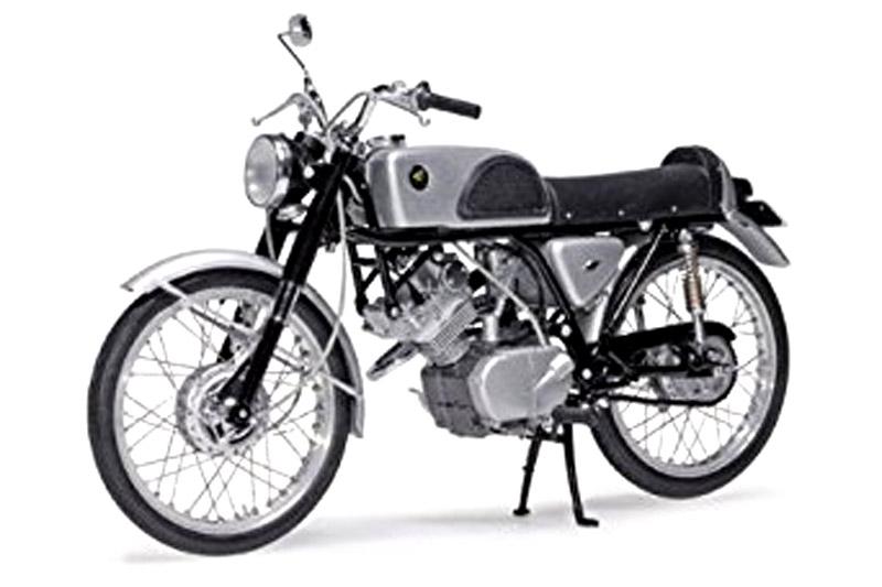 エブロ 1/10 ホンダ CR110 ストリート 1962 ブラック 10004