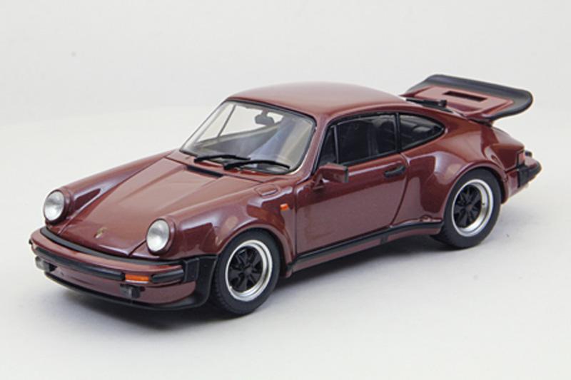 エブロ 1/43 ポルシェ 911 ターボ 1977 ブラウン 43754
