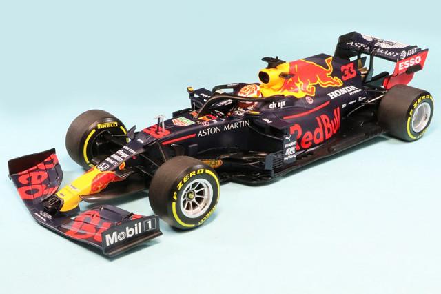 ミニチャンプス 1/18 アストン マーチン レッドブル レーシング RB16 シュタイアーマルクGP 2020 3rd M.フェルスタッペン 110200233