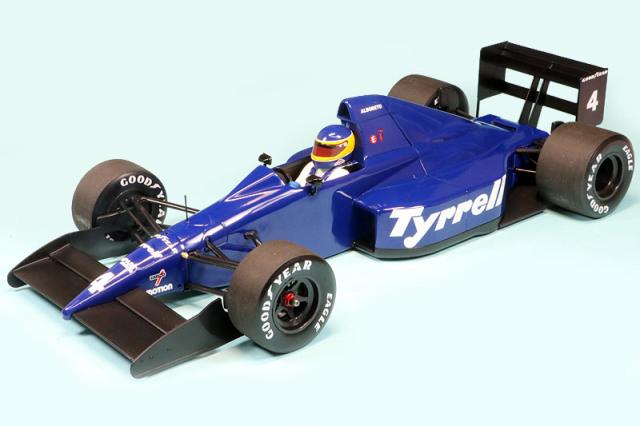 ミニチャンプス 1/18 ティレル 018 フォード メキシコGP 1989 3rd M.アルボレート 110890304