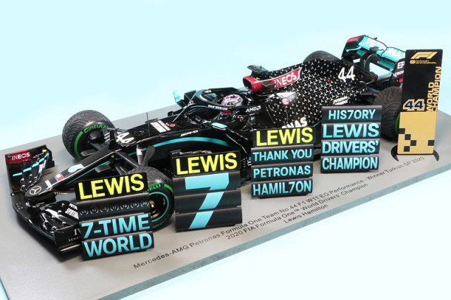スパーク 1/18 メルセデス AMG ペトロナス F1 W11 EQ Performance トルコGP 2020 Winner L.ハミルトン ワールドチャンピオン (ピットボード付) 18S567
