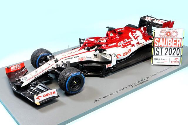 """スパーク 1/18 アルファ ロメオ C39 トルコGP 2020 K.ライコネン """"ザウバー 500戦レース"""" (ピットボード付き) 18S568"""