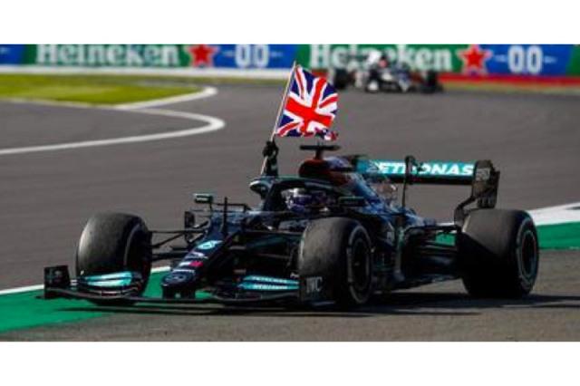 [予約] スパーク 1/18 メルセデス AMG ペトロナス W12 イギリスGP 2021 Winner L.ハミルトン (イギリス国旗付) 18S599