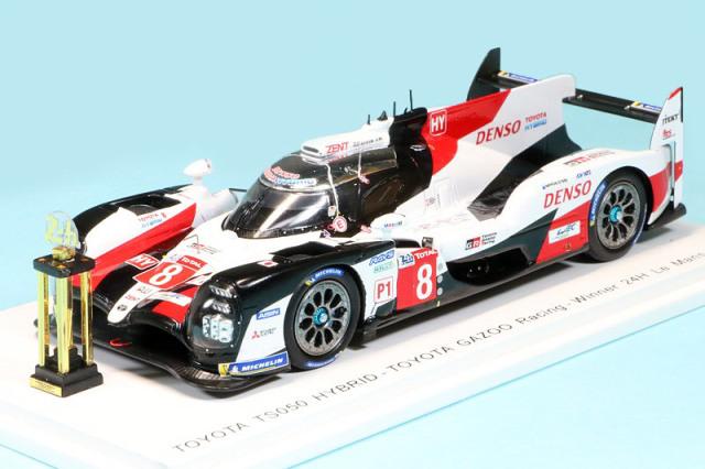 """スパーク 1/43 トヨタ TS050 ハイブリッド """"Toyota Gazoo Racing"""" ルマン 24h 2019 Winner No.8 (トロフィー付) 43LM19SS"""