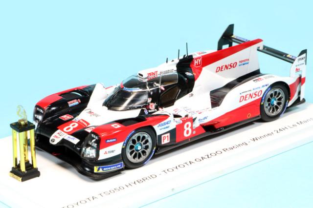 """スパーク 1/43 トヨタ TS050 ハイブリッド """"GAZOO Racing"""" ルマン 24h 2020 Winner No.8 トロフィー付 43LM20SS"""