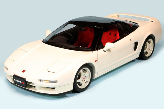 オートアート 1/18 ホンダ NSX タイプR 1992 チャンピオンシップホワイト 73296E