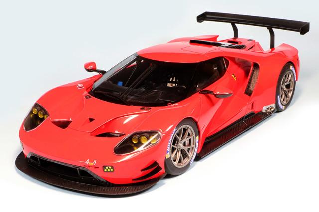 オートアート 1/18 フォード GT ルマン レッド 81811