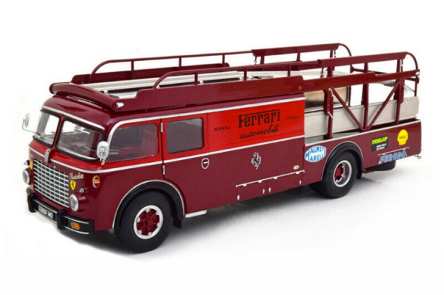 CMR 1/18 フィアット 642 BARTOLETTI フェラーリ レーストランスポーター CMR140 取り寄せ品になります。