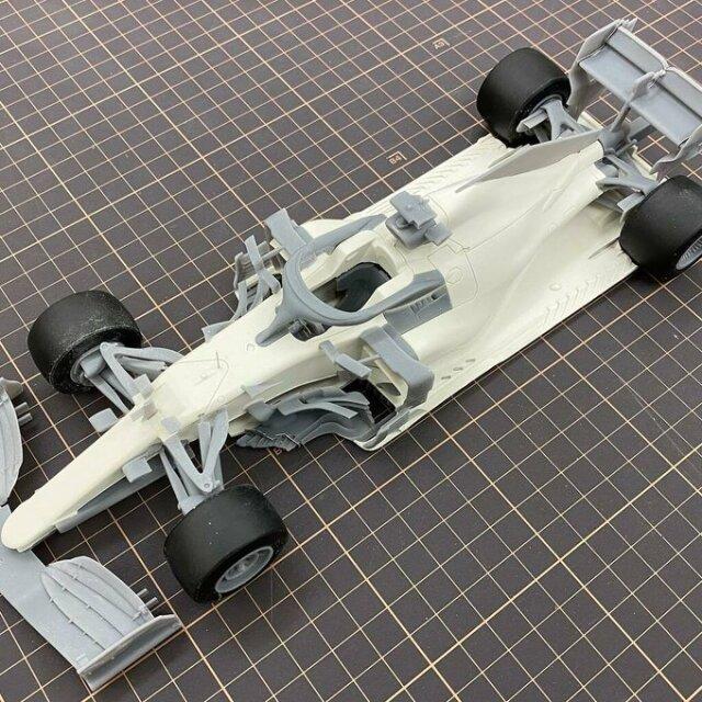 ニュースクラッチ 1/20 レジン&3Dパーツキット メルセデス AMG W11 Rd.1-Rd.5 2020 L.ハミルトン/V.ボッタス 20F20N4477Rd01