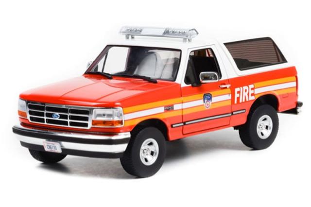 """[予約] グリーンライト 1/18 フォード ブロンコ 1996 """"The Official Fire Department City of New York"""" GL19118"""