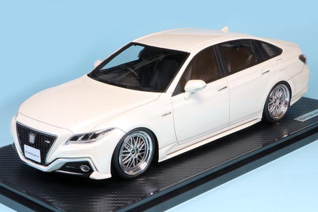 イグニッションモデル 1/18 トヨタ クラウン 220 3.5L RS アドバンス ホワイト IG1677