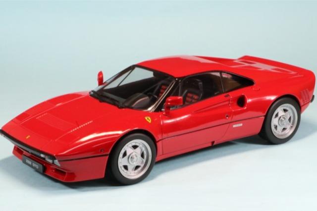 KKスケール 1/18 フェラーリ 288 GTO 1984 レッド 内装レッド KKDC180414