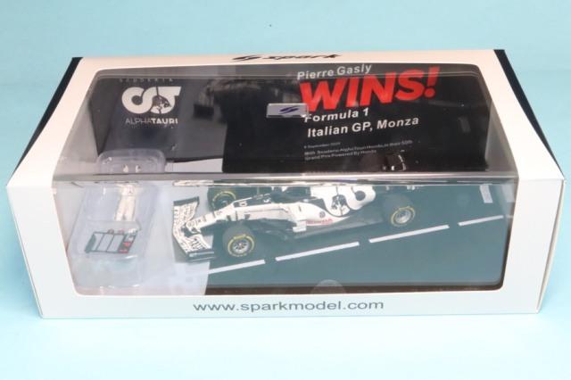 海外ショップ特注スパーク 1/43  アルファタウリ AT01 イタリア モンツァ GP 2020 P.ガスリー F1GP初優勝 スタンディングフィギュア付き  WS011