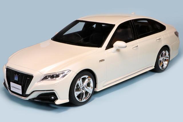 京商 1/18 トヨタ クラウン 3.5 RS アドバンス ホワイト KSR18042W