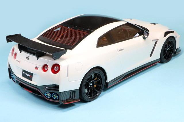 [予約] 京商 1/18 ニッサン GT-R ニスモ 2020 ホワイト 限定 750個 サムライシリーズ KSR18048W