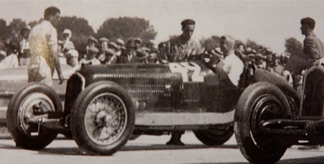 [予約] CMC 1/18 アルファロメロ P3 フランス マルセイユ GP 1933 No.12 シロン ウィナー M-227