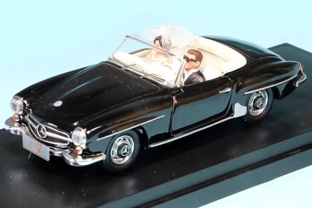 リオ 1/43 メルセデス 190 SL 1955 新郎新婦フィギュア付 RIO4656P