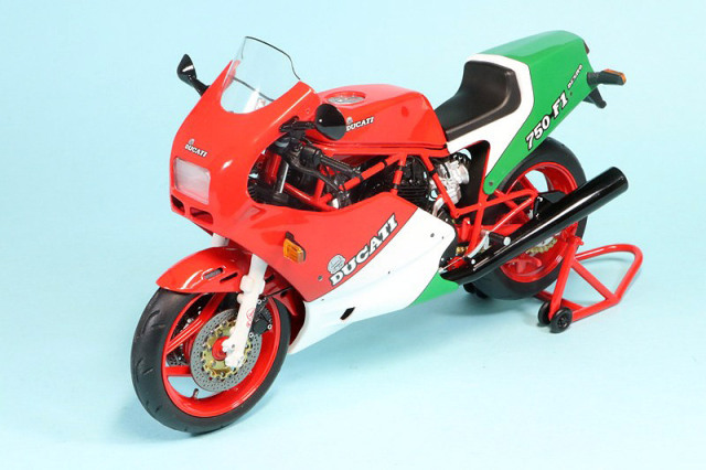 トゥルースケール 1/12 ドゥカティ 750 F1 1985 TSMMC0014