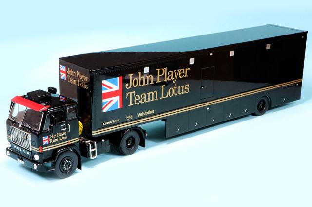 """イクソ 1/43 ボルボ F88 レーシング トランスポーター """"John Player Team Lotus"""" TTR017"""