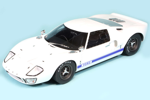 GT-SPIRIT 1/18 フォード GT40 Mk.1 ホワイト GTS131