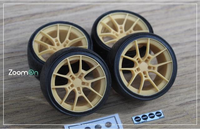 ZoomOn 1/24 18インチ レイズ ヴォルクレーシング C025 ホイール タイヤセット ZR049