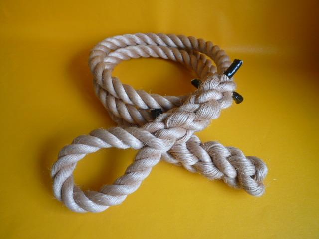 登り綱 ターザンロープ 麻ロープ直径30mm 片端アイ加工 片端逆サツマ加工