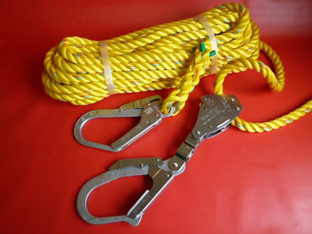 親綱ロープ  ニューテトロンロープ黄色16mm片端大径フック 片端緊張器付大径フック