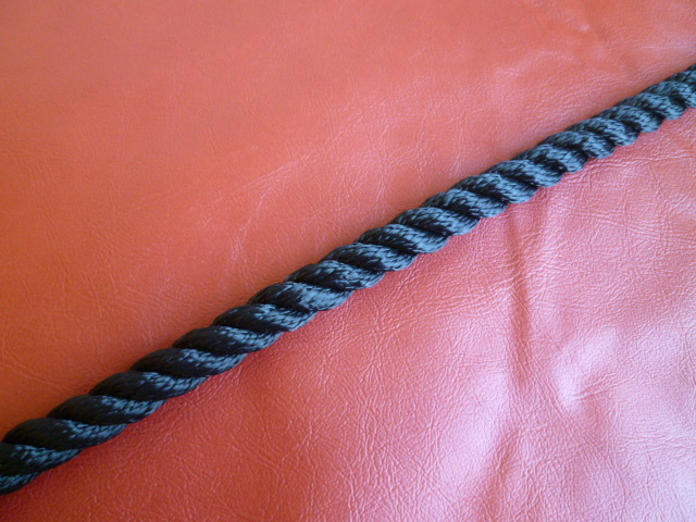 ポリエステルマルチフィラメントロープ 黒色 直径20mm(切り売り品)メートル単位 最大100メートル